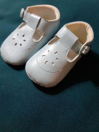 zapato bebe azul celeste