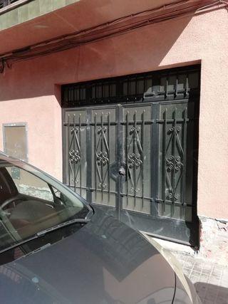 Puerta garaje de hierro