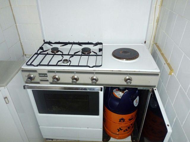 Cocina de butano con horno