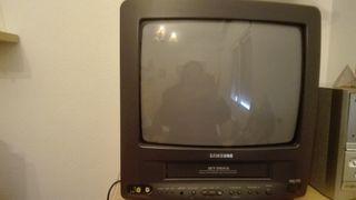 """televisión samsung 14"""" vintage más reproductor vhs"""