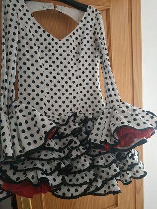 Traje de flamenca corto talla 40