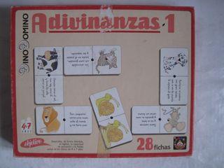 juego dino dominó Adivinanzas 1 juegos Dinova mesa