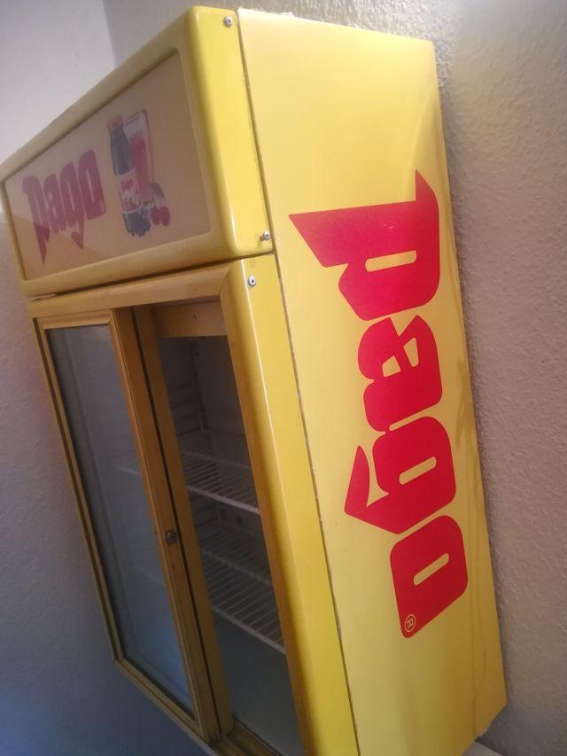 frigorífico pequeño de exposición