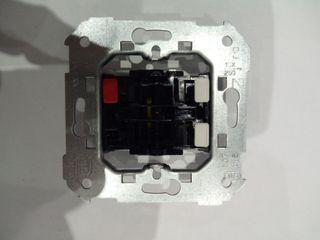 2 Interruptores eléctricos
