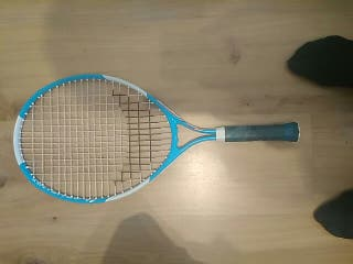 raqueta de tenis pequeña