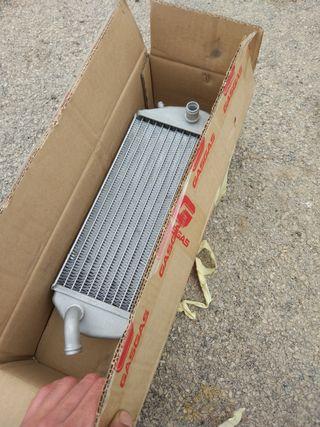 radiador derecho gas gas (no tapon)