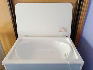 Mueble-Cambiador con bañera