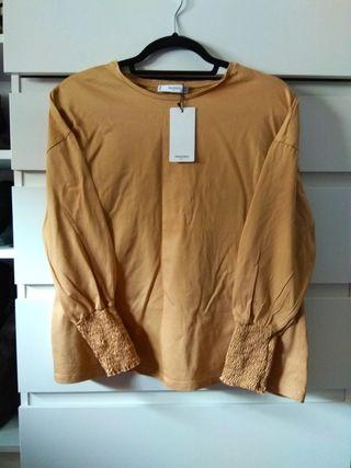 09153c516 Camiseta manga larga niño algodón talla 9 10 Zara boys · CAMISETA MANGO  CAMEL NUEVA