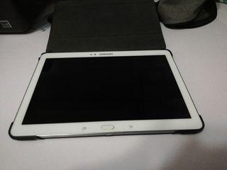 Samsung tab 10. 1 con funda negra de piel