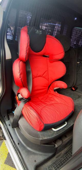 se vende silla para automovil.