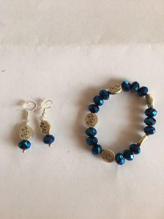 Conjunto pulsera y pendientes azules. Sin estrenar