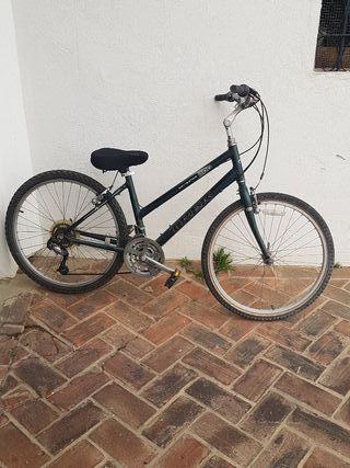 Buena bicicleta de montaña