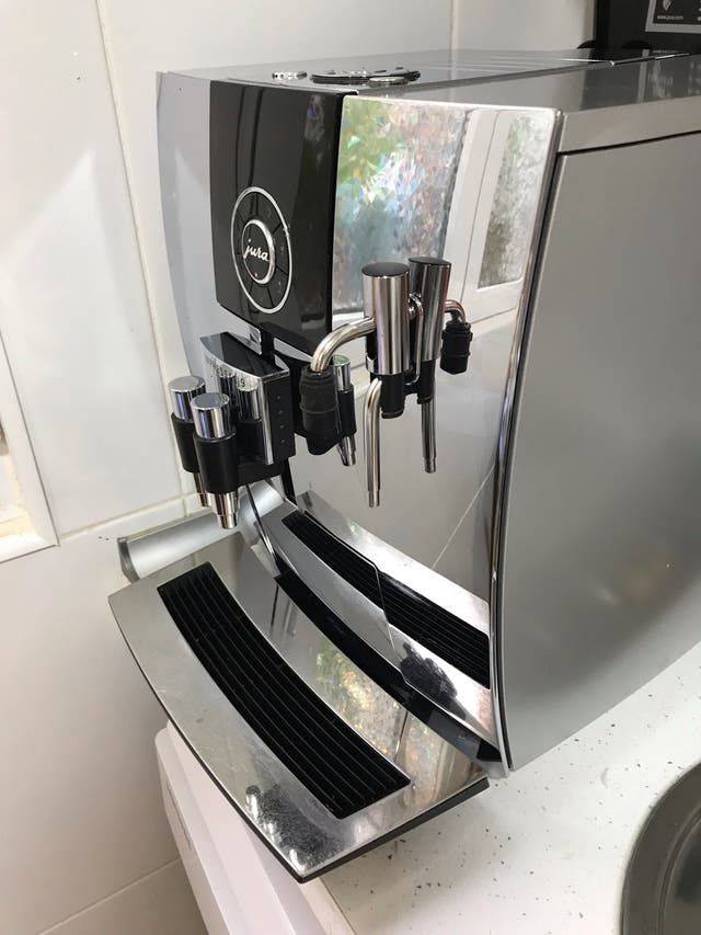 Cafetera automática Jura Impressa J9