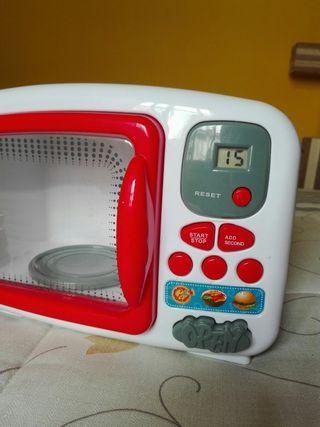 microondas con accesorios y pilas incluidas