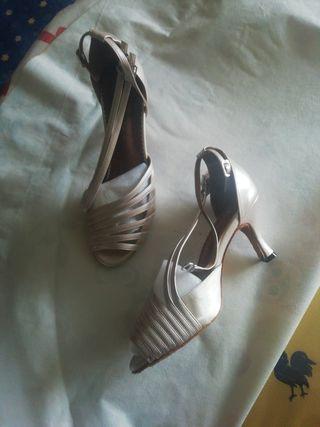 3fcc2f75 Zapatos de baile para mujer de segunda mano en Madrid en WALLAPOP