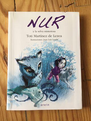 "Libro ""Nur y la selva misteriosa"""