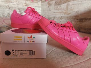 Superstar Pharrell williams adidas rosa.