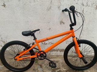 Bicicleta BMX Megamo