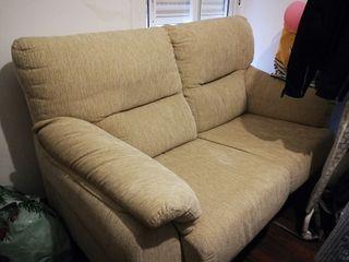 Sofá dos plazas, sillón. Buen precio