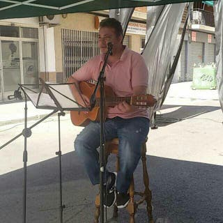 Clases de guitarra española para principiantes.