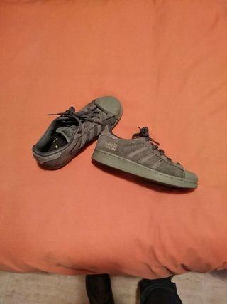 zapatillas de niño, Adidas Superstar número 32