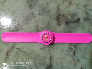 reloj rosa nuevo