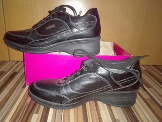 Zapatos de mujer, sin estrenar, de piel .