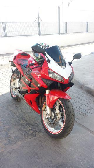 Vendo moto honda cbr 600rr