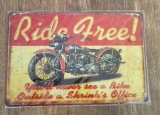 Cartel de moto custom. Ride Free