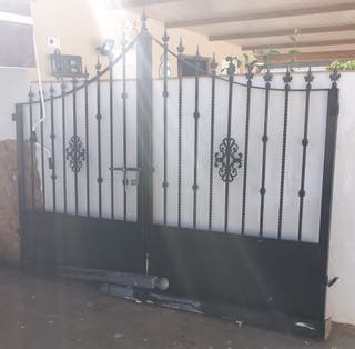 Puerta / cancela de hierro
