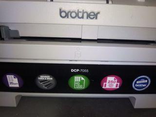 Impresora, fotocopiadora y escaner marca Brother