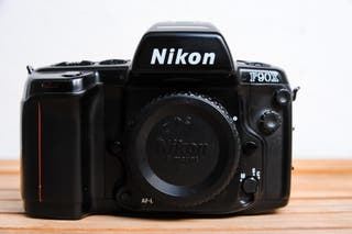 Camara Nikon F90X