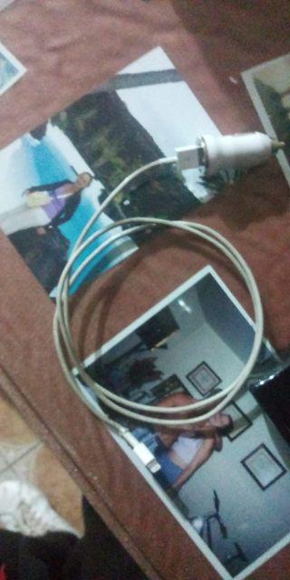 Cable original iphone mas adaptador para coche