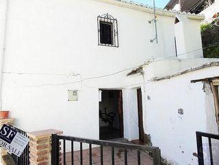 Casa adosada en venta en Benamargosa