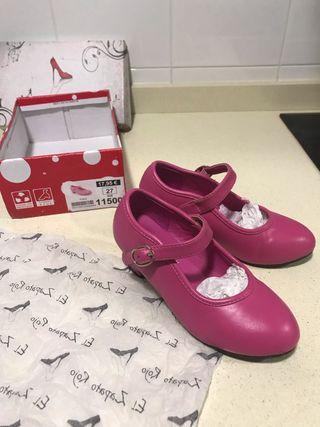 a7b566bad0c Zapatos de tacón niña de segunda mano en Sevilla en WALLAPOP