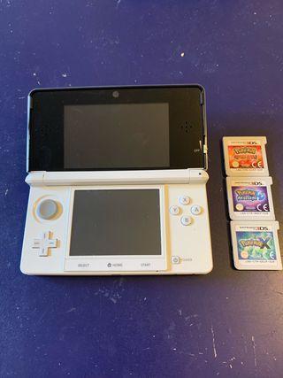 Nintendo 3DS + 3 Juegos Pokémon