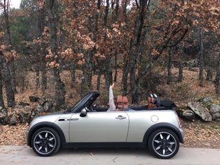 Mini Cooper Cabrio Sidewalk