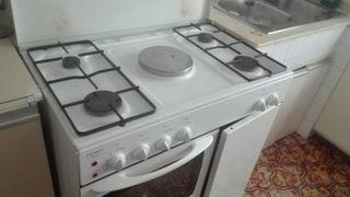 cocina d butano con horno y placas electricasen pe