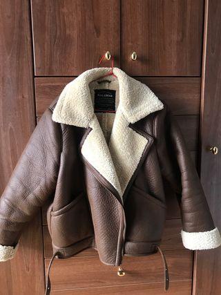 Chaqueta PULL&BEAR marrón