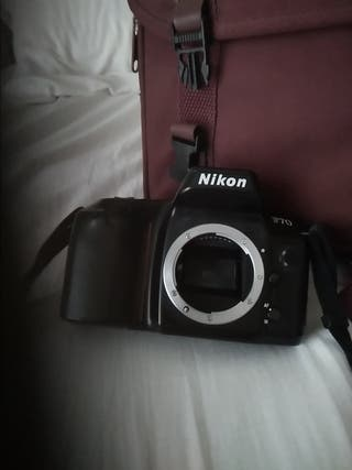 Camara NikonF70