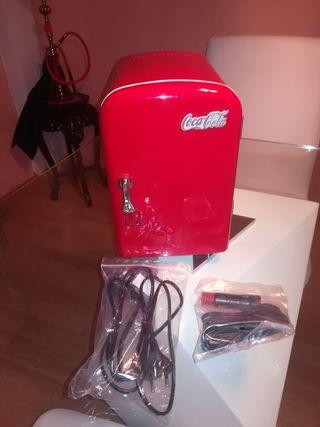 mini nevera de Coca Cola.