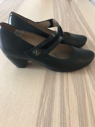 Zapatos Señora 37 Pie Santo de piel