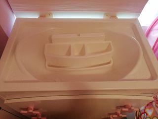 Mueble bañera y cambiador marca Micuna