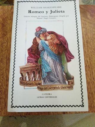 Edición bilingüe de Romeo y Julieta.