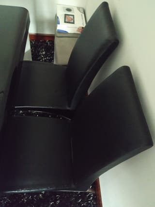 4 sillas negras KIBUC