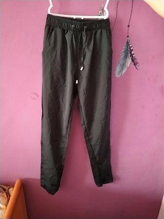 pantalones negros totalmente nuevos
