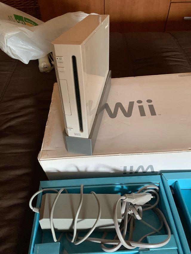 Consola Wii + 4 juegos