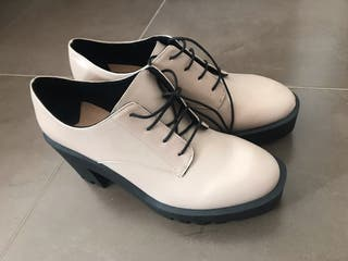 Zapato beis