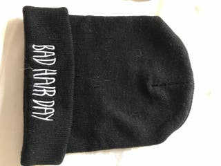 "Gorro negro nuevo ""Bad Hair Day"""