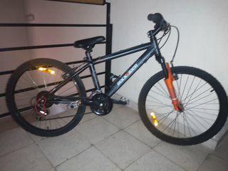 Bicicleta Rockrider Junior Two Five